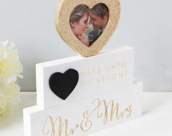 mr and mrs wedding count down gift